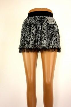 Šedo-černá sukně s volánkem