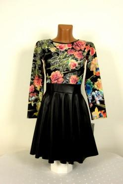 Šaty pestré s koženkovou sukní