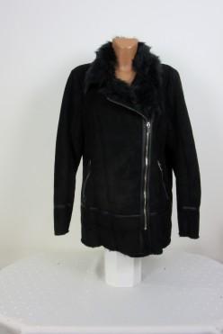 Černá zimní bunda s kožíškem F&F