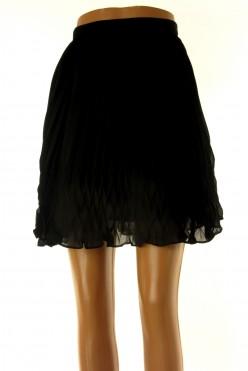 Černá plizé sukně